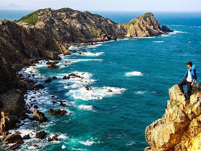 """Top 12 bãi biển Quy Nhơn """"tuyệt đẹp"""" để check in"""